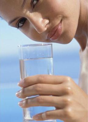 Вода - важнейший компонент любой диеты, особенно при токсическом гепатозе